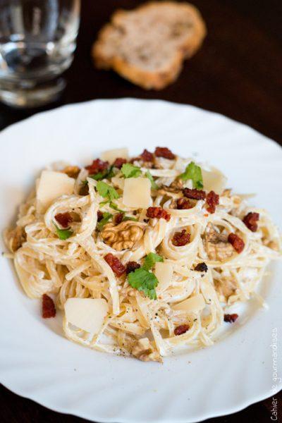 Pates à la ricotta, chorizo, noix et parmesan