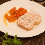 Roti de dinde aux petits oignons et carottes