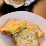 Cake surimi et herbes fraîches