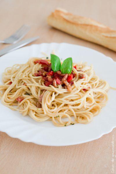 Spaguettis poivrons lardons