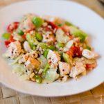 Salade de crudités pour mettre du soleil dans l'assiette