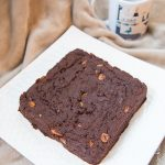 Brownie au beurre de cacahuète et noix de pécan