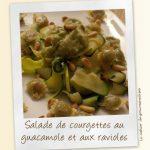 Salade de courgettes au guacamole et aux ravioles croustillantes