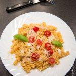 Pâtes toutes simples aux tomates cerises et basilic