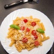 Pates oignons tomates cerises | Cahier de gourmandises