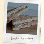 Sandwich nordique au saumon et fromage frais