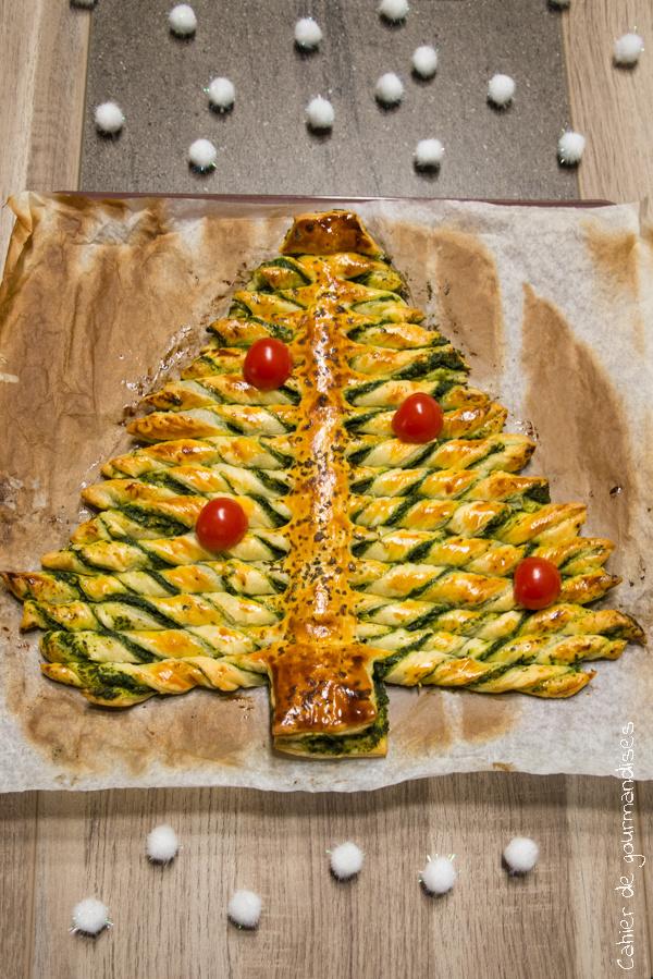 Sapin de Noel feuilleté au pesto d'épinards | Cahier de gourmandises