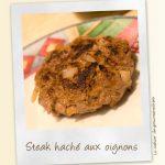 Steaks hachés aux oignons et aux herbes