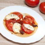Tartes fines Tomates, Chorizo et Chèvre frais